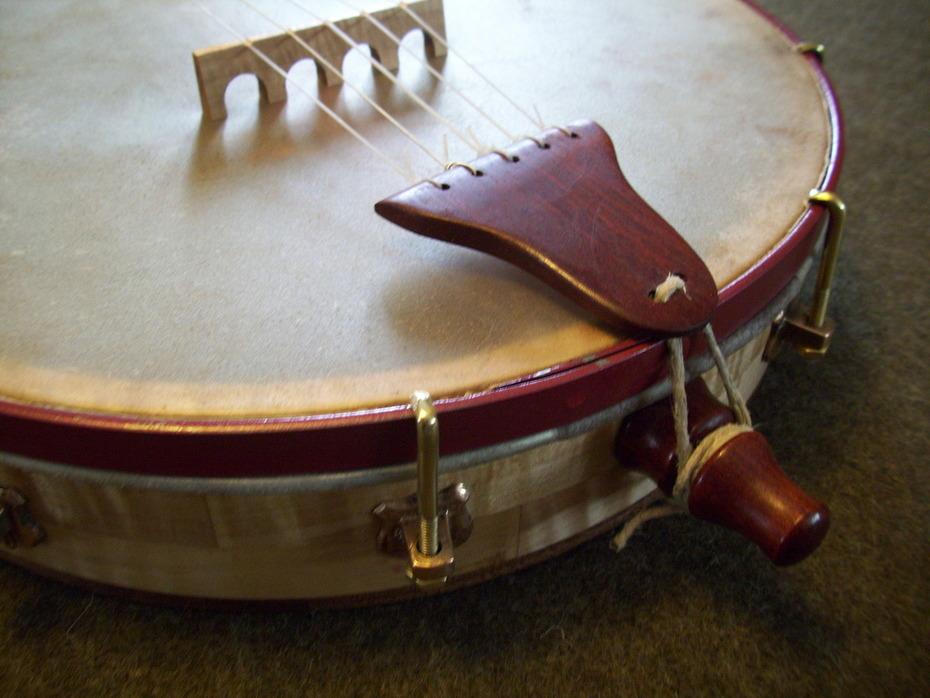 Paduak tailpiece