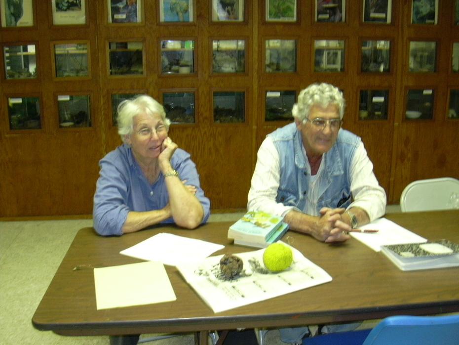 DNPW November 2002 Joyce & Don Gann