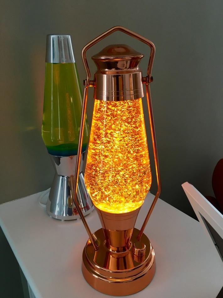Crestworth Lantern with Yellow-strand glitter