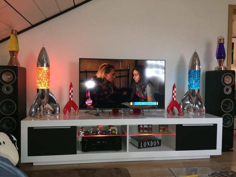 2x Lunar Glitter TV Board