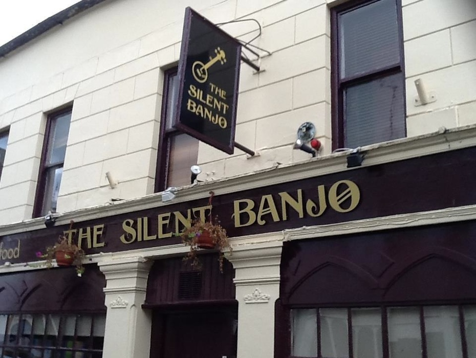 silent banjo