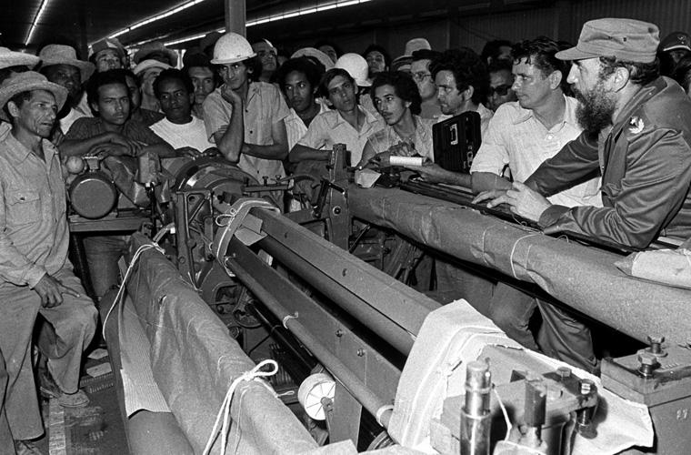 fidel-castro-combinado-textil-de-santa-clara-4-4-79