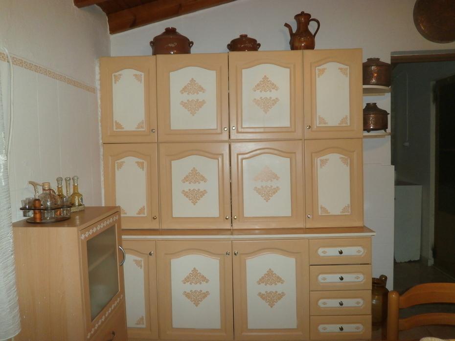 Αναπαλαίωση ντουλαπιών κουζινας