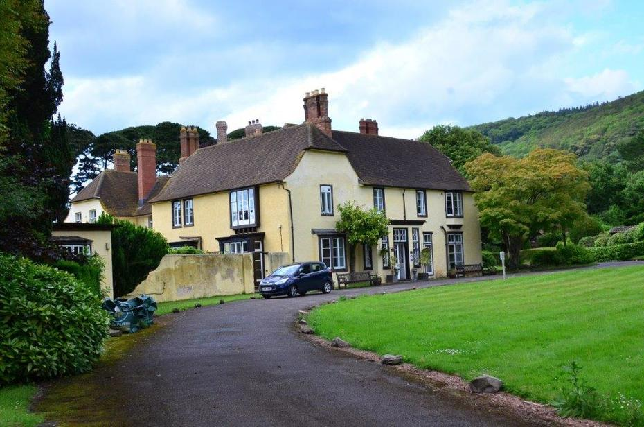 Holnicote House rented to HF, Selworthy