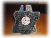 Standuhr aus Granit