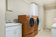 326 Lakeshore Dr - Laundry Room