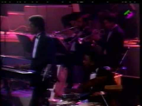 Barry White in Paris 31/12/1987 w/Emmett North Jr On Guitar- Part 7 - Can't Get Enough Of Your Love, Babe