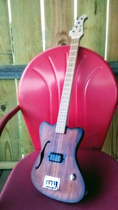 Retro AL Semi Solid guitar