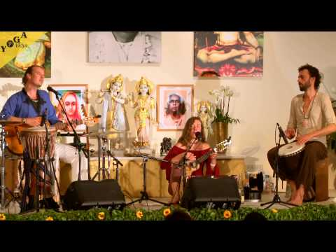 Peia and Manouz / Sacred Chant - feat. Pascal - live in concert at the Yoga Vidya Musikfestival 2015
