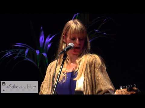 Tamara Woestenburg tijdens 'De stilte valt zo hard'