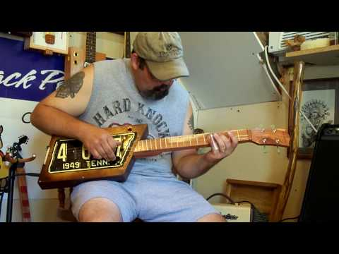 cigar box guitar, license plate resonator