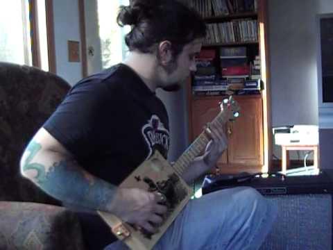 Salmon box guitar