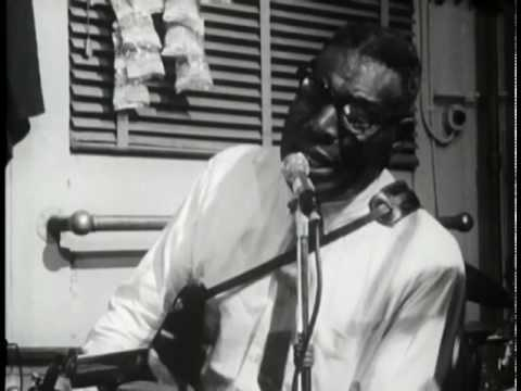 "Howlin' Wolf Defines the Blues While Slamming Son House + ""Meet Me In The Bottom"""