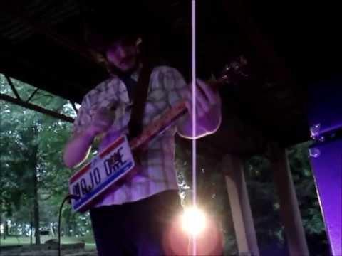 The Vespers' Bruno Jones | Cigar Box Guitar Jam
