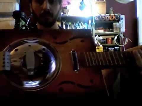 Dobro Gigar Box Guitar 4 Stings  - Demo