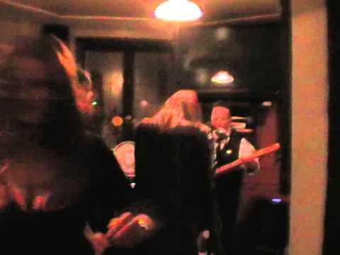3rd Cambridge Cigar Box Guitar Festival - Stumblecol Solo - How it ended : -)