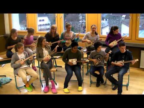 """""""Alle Jahre Wieder"""" - Austrian Cigar Box Guitar School Orchestra"""