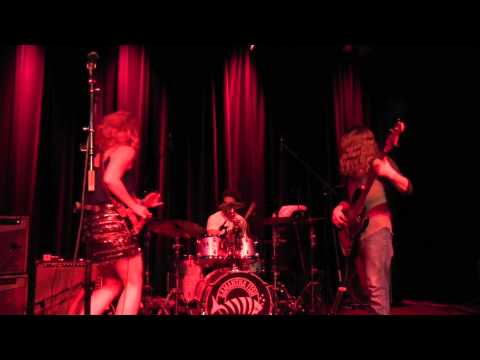 """""""Turn It Up"""" & """"Miles To Go""""  SAMANTHA FISH BAND - 6/6/15 FTC"""