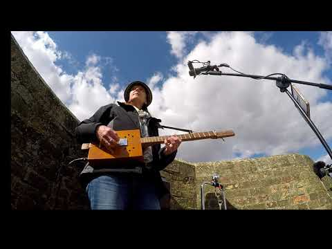 Spring Song - Busking -  with 3 String Cigar Box Guitar