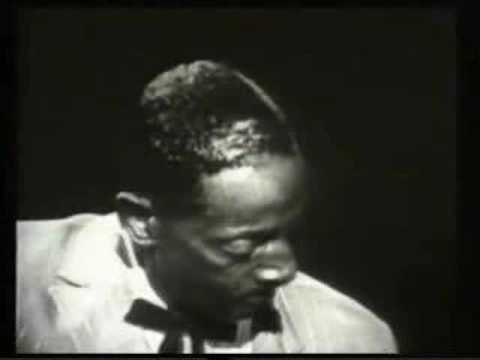 Mississippi Fred McDowell (1904-1972) - What's the Matter Now?