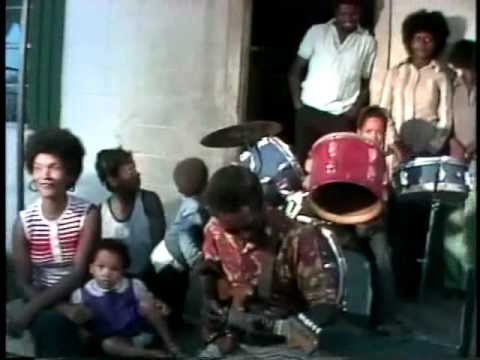 R.L. Burnside and family: Boogie instrumental (1978)
