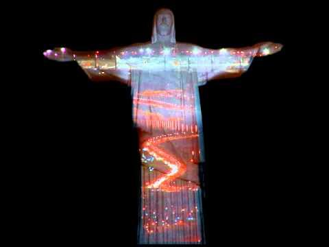 Projeções do abraço do Cristo Redentor no Rio de Janeiro (Projeto Casanova)