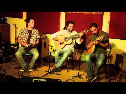 TRIO BRASILEIRO - VIBRAÇÕES (Jacob do Bandolim) - Douglas Lora, Dudu Maia & Alexandre Lora