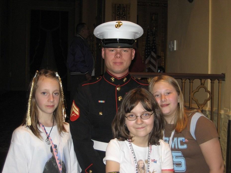 USMC CHRIS & HIS GIRLS 003