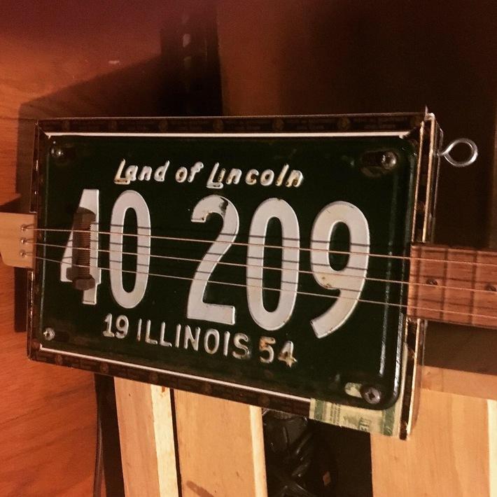 54 Illinois LP Fretless Reso
