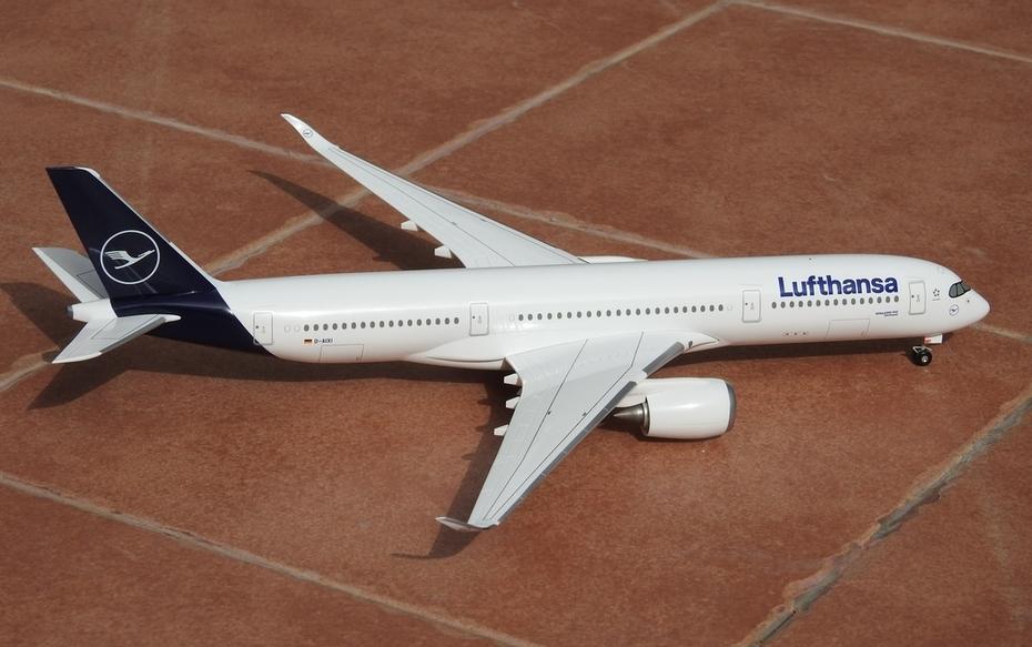 Hogan 1:200 Lufthansa A350-900