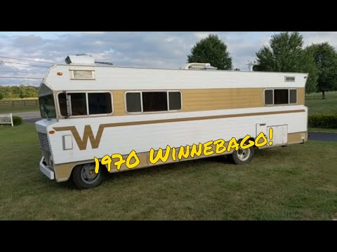 A Walk around my 1970 Winnebago Chieftain D27 two Door RV.