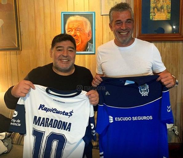 Después de 24 años Maradona vuelve a dirigir en Argentina. Será en Gimnasia y Esgrima La Plata
