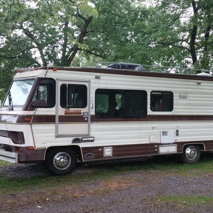 1986 Shasta Motorhome Chevy – BK3