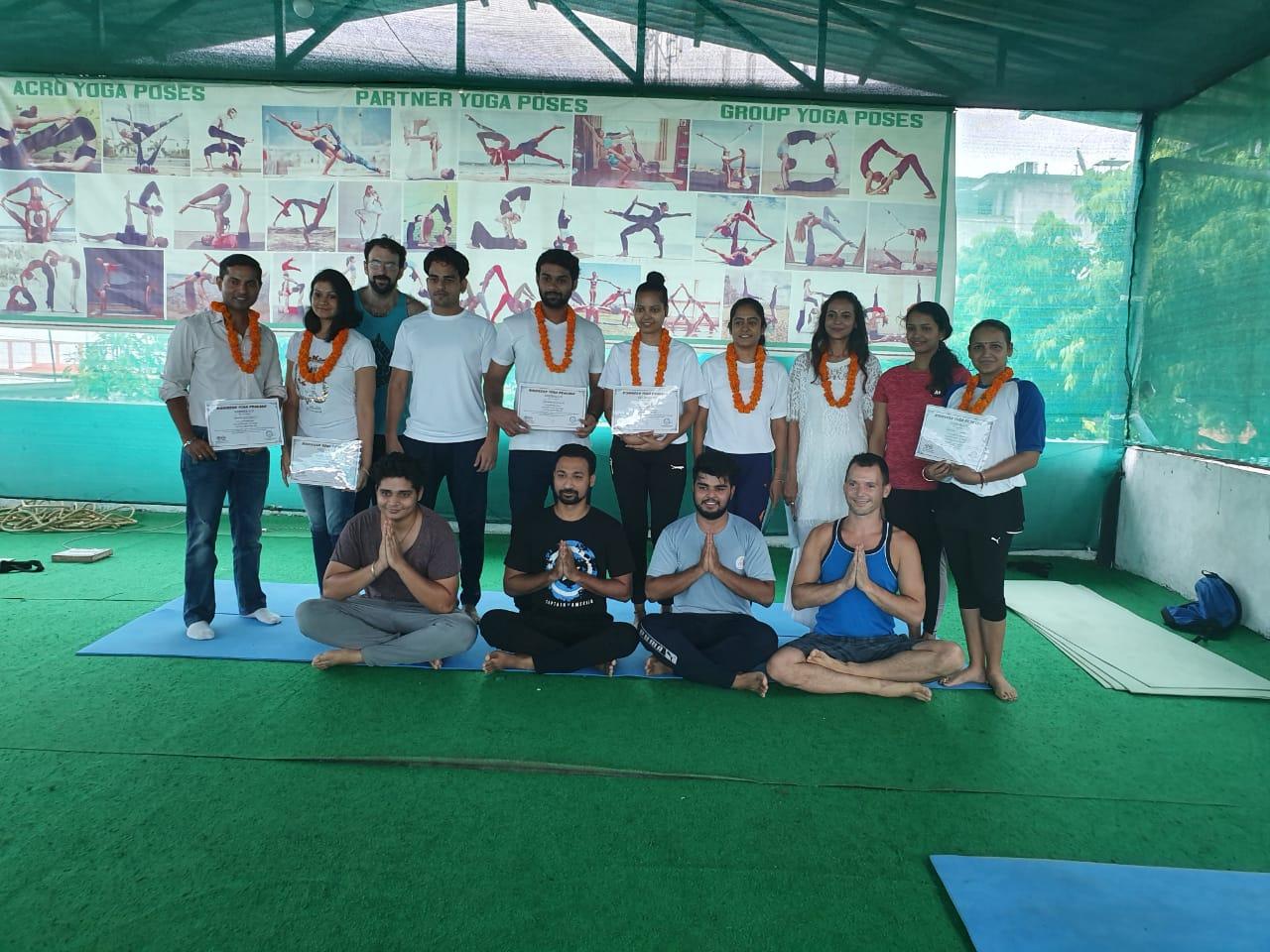 Kunwar-Yoga-Students-1k