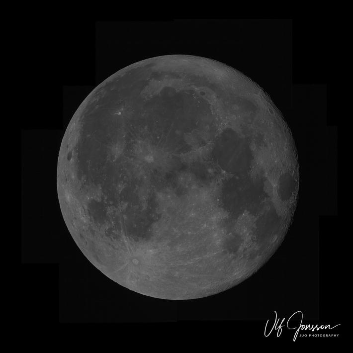 Mosaik-bild av månen