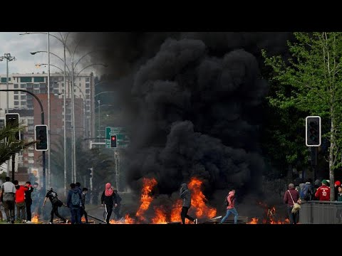 """""""Riots in Chile leave at least seven dead as government extends state of emergency"""""""