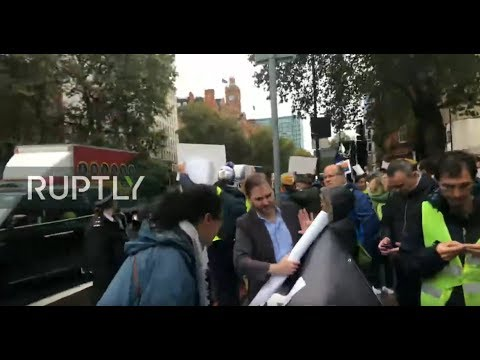 LIVE: Assange supporters gather outside London court as hearing takes place
