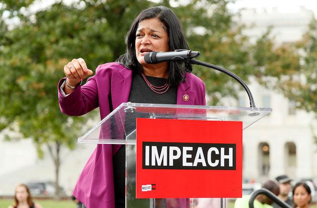 Reps. Pramila Jayapal and Deb Haaland Introduce Bill to Give Immigrants Access to Health Care