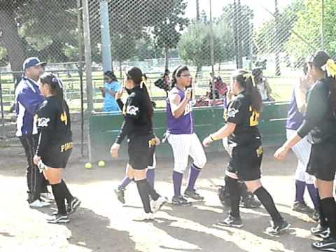 SP Softball Postgame Handshake vs. Bell (3-5-2011)