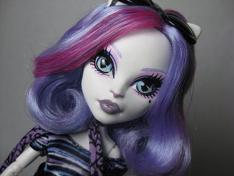 Monster High Catrine DeMew Makeup Tutorial Featuring Rockeresque Beauty Company