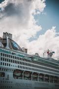 Jalesh Cruise | Akbar Travels