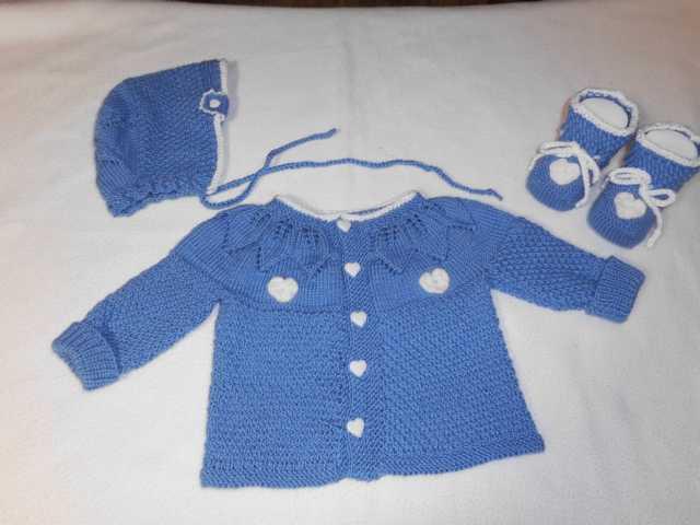 Garnitur für ein neugeborenes Baby