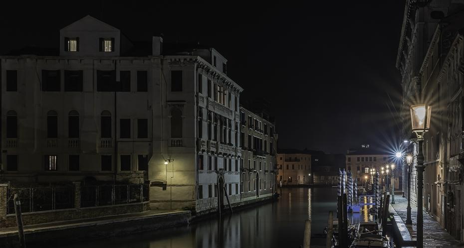 Luci a Venezia con taglio.