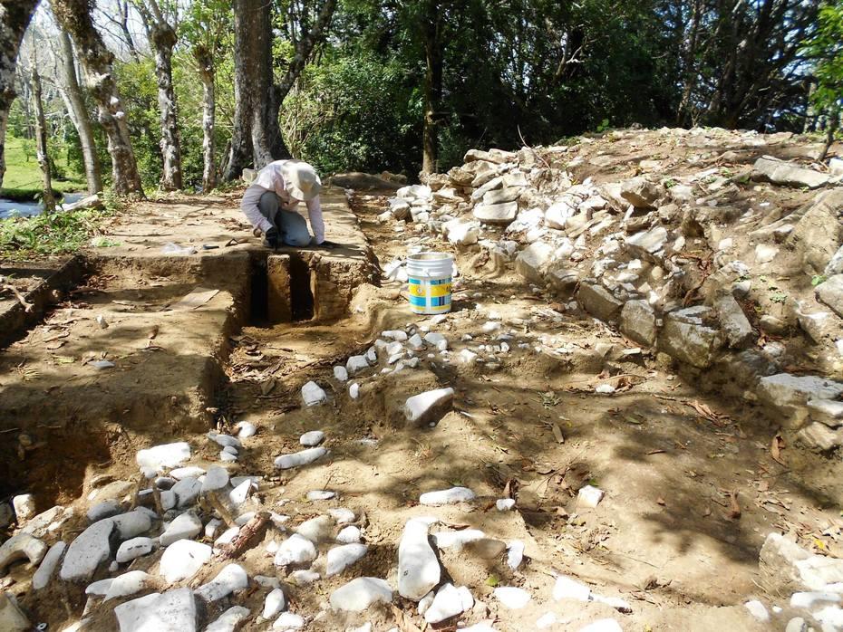 Excavaciones en Santa Isabel, Chiapas