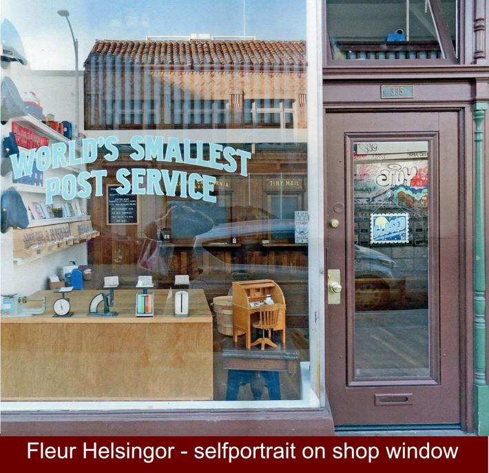 Fleur HELSINGOR window self portrait
