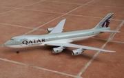 Risesoon 1:200 Qatar Cargo 747-8F
