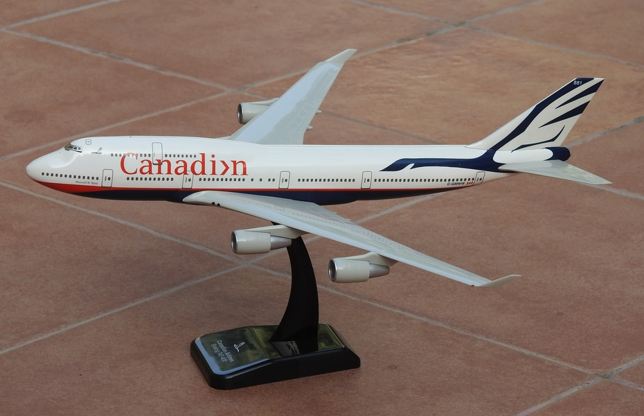 Hogan 1:200 Canadian B747-400
