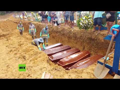Entierran a muertos por covid-19 en fosas comunes de Brasil