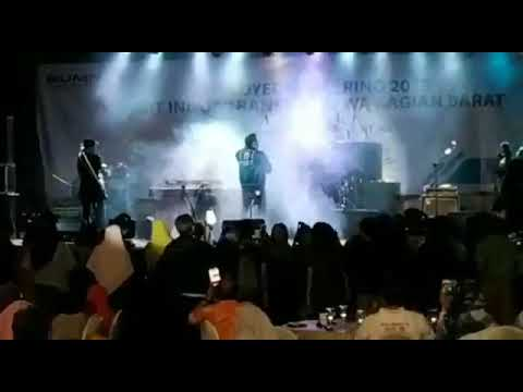 When Tsunami Hit Indonesia During Concert