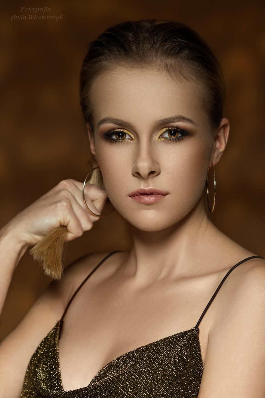 Portrait beauty - Gold